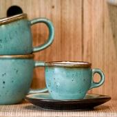 Bonjour à tous,   Nous sommes contents de vous présenter notre sélection de vaisselle faite main..  Vous pouvez retrouver en boutique des tasses, sous-tasses, et des bols ainsi que des verres de différentes couleurs.  Pour le moment c'est seulement disponible à notre boutique mais tous les articles seront prochainement disponibles sur notre boutique en ligne   Tarifs: Tasse + sous tasses: 12€, la paire à 22€ Bol: 13€, la paire à 25€  #valini #torrefacteur #torrefaction #roastery #handmade #nimes #faitmain#gard #gardtourisme #nimestourisme #artisan #cup #mug #artisanatfrancais #atelier #coffeelovers #coffee #boutique #vaiselle #ideecadeau #cadeau #café